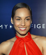 Alicia Keys sported a slick short 'do at the Tommy Hilfiger West Coast flagship opening.