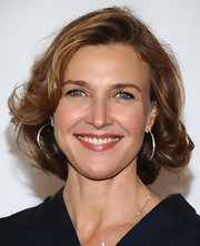 Brenda Strong looked fab with her curly bob at the Disney ABC Television Group's 2011 TCA Summer Press Tour.