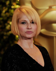 Ellen Barkin sported a classic and elegant bob at the 2011 Governors Awards.