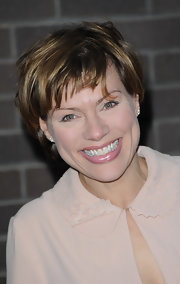 Kate Silverton sported a messy cut at the Chickenshed performance.