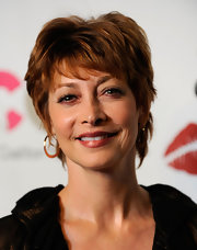 Sharon Lawrence rocked a trendy razor cut at the Les Girls 9.
