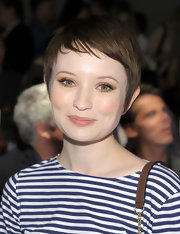 Emily Browning looked downright darling with her pixie cut at the Prabal Gurung Spring 2011 show.