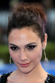 Gal Gadot accessorized with a dazzling pair of diamond drop earrings for the 'Fast & Furious 6' London premiere.