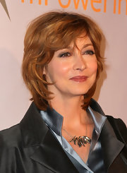 Sharon Lawrence attended the Global Action Awards wearing this layered razor cut.