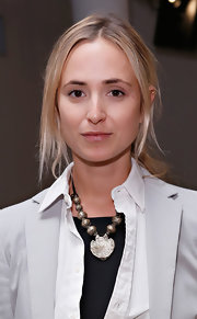 Elisabeth von Thurn und Taxis spiced up her outfit with an oversized pendant necklace for the Ohne Titel Spring 2013 show.