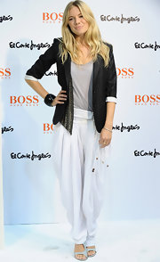 Sienna Miller made harem pants look oh-so-cool!