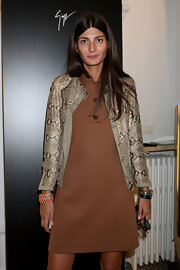 Giovanna Battaglia styled her outfit with a lovely coral and pearl cuff bracelet during the Vicini presentation.