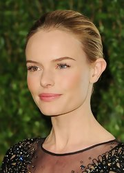 Kate Bosworth was fresh-faced at the Vanity Fair Oscar party wearing this simple, classic bun.