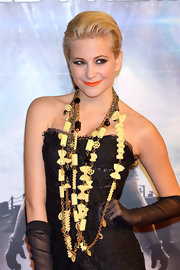 Pixie Lott got wacky at the 'Battleship' Japan premiere with these layered pasta necklaces by Dolce & Gabbana.