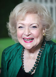 Betty White sported a classic curly bob during her fashion shoot for the Lifeline Program.