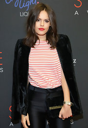 A black velvet blazer added a formal touch to Atlanta de Cadenet's shirt and slacks combo at the Style Awards.