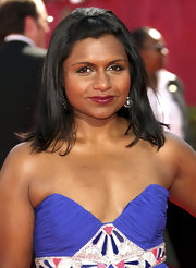 Mindy Kaling styled her shoulder-length hair into a half updo for the 2009 Emmy Awards.