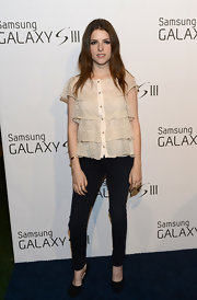 Anna Kendrick looked very feminine in a tiered lace blouse during the Samsung Galaxy S III launch.