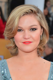 Julia Stiles looked lovely with her curly bob at the 2013 SAG Awards.