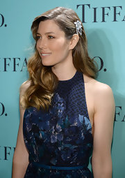 Jessica Biel topped off her flower-themed ensemble with a lovely diamond hair pin during the Tiffany Blue Book Ball.