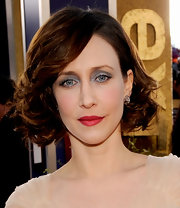 Vera Farmiga wore her hair in a curled-out bob at the 2010 SAG Awards.