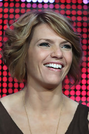 Kathleen Rose Perkins wore a poofy, curly bob at the 2010 Summer TCA Tour.