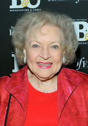 Betty White attended the 2011 Broadcasting & Cable Hall of Fame Awards wearing her hair in a curly bob.
