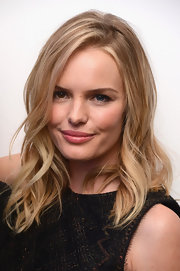 Kate Bosworth was fabulously coiffed with beachy waves at the Whitney Art Party.