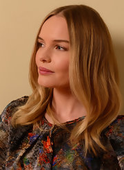 Kate Bosworth posed for her Sundance Film Festival portrait wearing a center-parted hairstyle with soft waves down the ends.