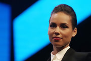 Alicia Keys wore a slicked-back hairstyle at the unveiling of Blackberry's new phone.