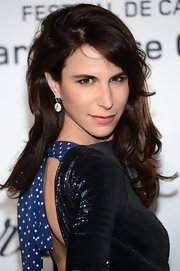 Caroline Sieber styled her hair with feathery ends and side-swept bangs for the Soiree Chopard Mystery Party.