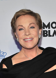 Julie Andrews kept it simple with this short hairstyle at the 2011 Princess Grace Awards Gala.