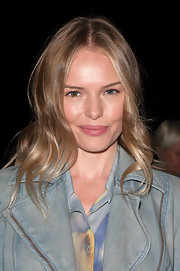 Kate Bosworth wore her hair in a casual yet sweet wavy style during the Theyskens' Theory fashion show.