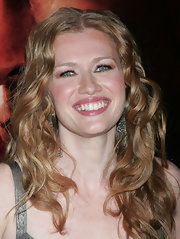 Mireille Enos doubled her volume by having it curled for the 'Big Love' premiere.