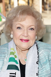 Betty White wore her signature short curls at the 'Betty White Out Tour.'