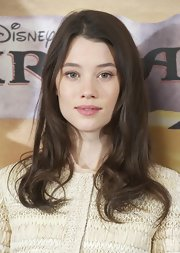 Astrid Berges Frisbey sported a casual wavy 'do at the 'Pirates of the Caribbean: On Stranger Tides' photocall.