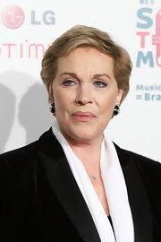 Julie Andrews sported a stylish short 'do at the VH1 Save the Music Foundation Gala.