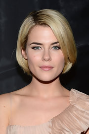 Rachael Taylor looked darling with her perfectly styled bob at the Donna Karan Spring 2013 show.