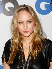 Leelee Sobieski wore her locks down in messy-chic waves at the GQ Men of the Year party.