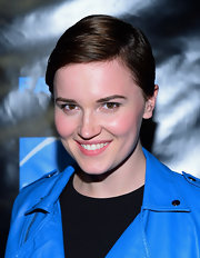 Veronica Roth kept it simple with this sleek short 'do at the Comic-Con press event.