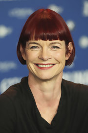 Sandy Powell sported a short bob with blunt bangs at the 2011 Berlin Film Festival International Jury press conference.