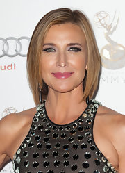 Brenda Strong wore her hair in a side-parted bob at the 2012 Emmy Awards reception.