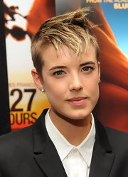 Agyness Deyn looked tough with her messy fauxhawk at the New York premiere of '127 Hours.'