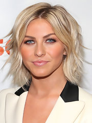 Julianne Hough went for a stylish layered razor cut at the premiere of 'Paradise.'