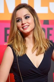 Ana de Armas piled on the eyeshadow for a sexy beauty look.