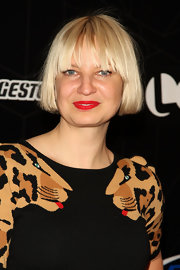 Sia wore a cute bob with eye-grazing bangs at the Logo NewNowNext Awards.