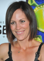Annabeth Gish went trendy with this graduated bob at the LA opening of 'Shrek The Musical.'
