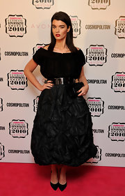 For her shoes, Crystal Renn chose simple black pumps.