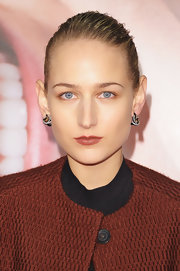 Leelee Sobieski complemented her 'do with a pair of twisty diamond hoops.