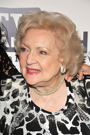 Betty White looked lovely with her curly bob at the 'Hot in Cleveland' premiere party.