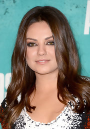 Mila Kunis looked retro with her subtly wavy, center-parted 'do at the 2012 MTV Movie Awards.