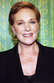 Julie Andrews wore a short, side-parted hairstyle at the Fashion Group International's Night of Stars.