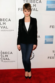 Sami Gayle spiffed up her jeans with an elegant black satin-lapel blazer.