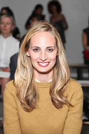 Lauren Santo Domingo looked oh-so-pretty with her subtly wavy layers during the Sophie Theallet fashion show.