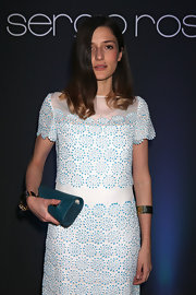 Eleonora Carisi completed her ensemble with a pair of gold cuffs.